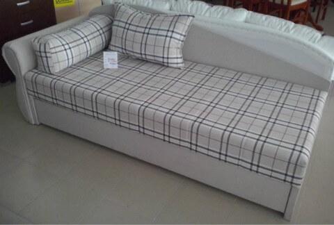 salon name taja novi dom le ajevi za jednu osobu. Black Bedroom Furniture Sets. Home Design Ideas